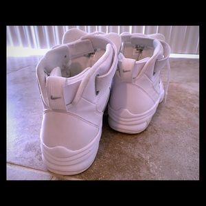 Nike shoes, good condition